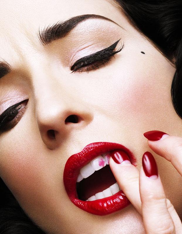 Lipstick (1)