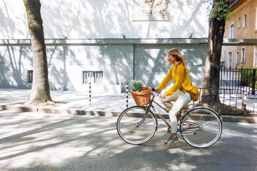 Един слънчев следобед на колела из центъра на София